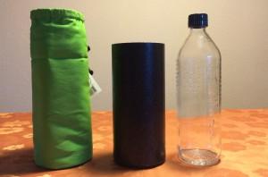Emil Glas Trinkflasche mit Isolierbecher und grüner Hülle