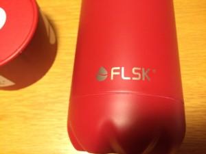 FLSK Logo auf Trinkflasche